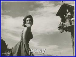 ELIZABETH TAYLOR Stunning Statuesque Pose ORIGINAL 1959 Glamour Photo J953